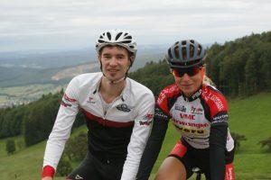 Die beiden Tagessieger auf den Allerheiligenberg. Emanuel Müller (VC Peloton Basel) und Jacqueline Uebelhard (VMC Aarwangen)